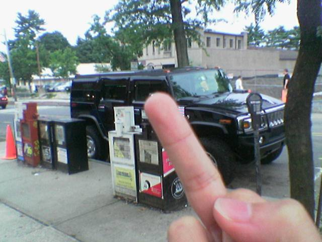 another hummer, another finger